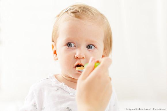 Baby bzw. Kleinkind mit Läusebefall